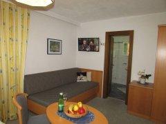 Komfortzimmer B Couch